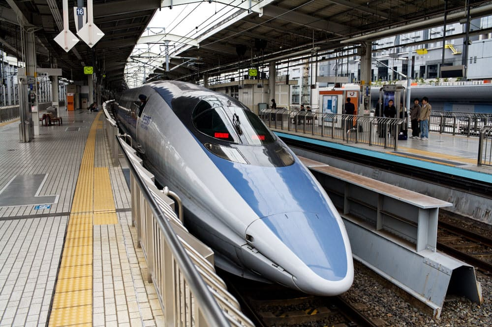 500 Series Shinkansen in Kyoto Station; photo by Sam Doshi via Flickr and Creative Commons